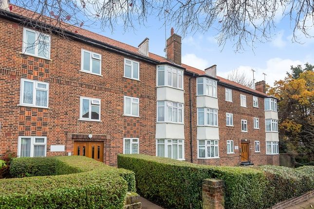 Thumbnail Flat to rent in Brook Court, Brook Avenue, Edgware, Greater London.