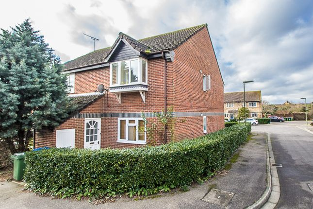 Thumbnail Maisonette to rent in Cambridge Road, West Molesey