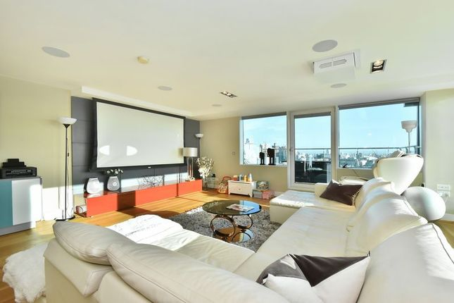 Thumbnail Flat to rent in Aragon Tower, Deptford