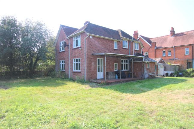 Picture No. 40 of Warwick Road, Reading, Berkshire RG2