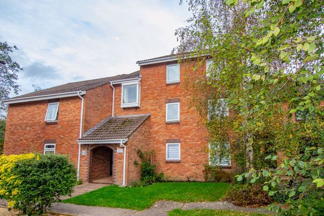 2 bed flat for sale in Ashtree Road, Frome BA11