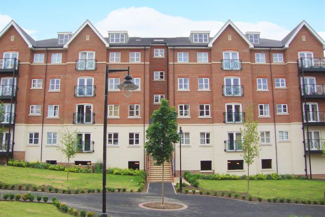 Thumbnail Flat to rent in Viridian Square, Aylesbury