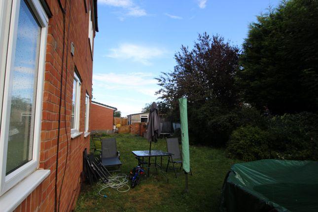 Picture No. 09 of Wood Street, Bedworth, Warwickshire CV12