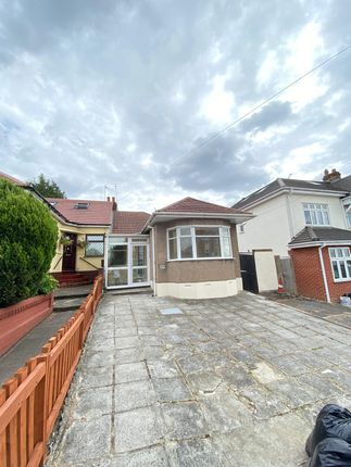 3 bed semi-detached bungalow to rent in Clayhall Avenue, Clayhall, Ilford IG5