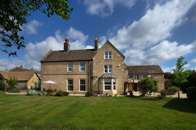 Thumbnail Farmhouse to rent in Abbey Street, Eynsham, Witney