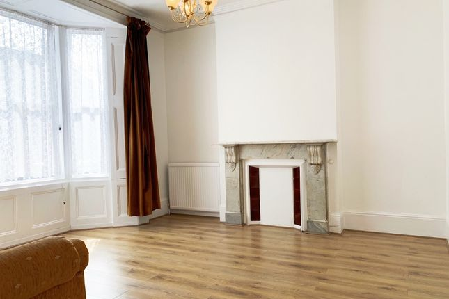 Thumbnail End terrace house to rent in Goldsmith Road, Acton