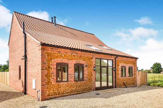 Thumbnail Barn conversion for sale in Chequers Road, Grimston, Kings Lynn, Norfolk