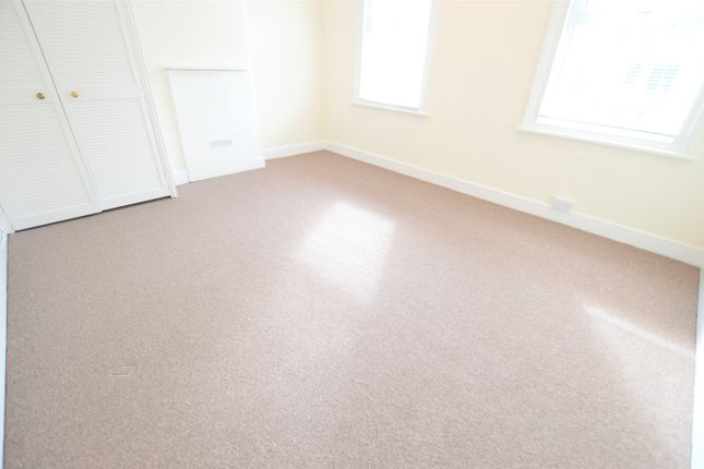 Thumbnail Terraced house to rent in Bath Road, Cippenham, Slough