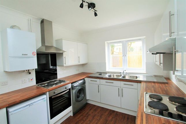 Thumbnail Property to rent in Woods Avenue, Hatfield