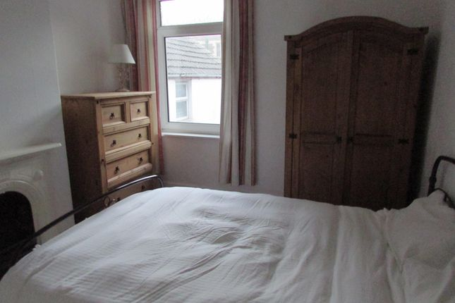 Thumbnail Property to rent in Malefant Street, Roath, Cardiff