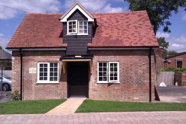 Thumbnail Cottage to rent in Edenbridge, Kent