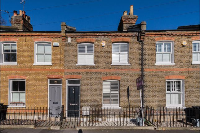 Thumbnail Terraced house for sale in Collins Street, London