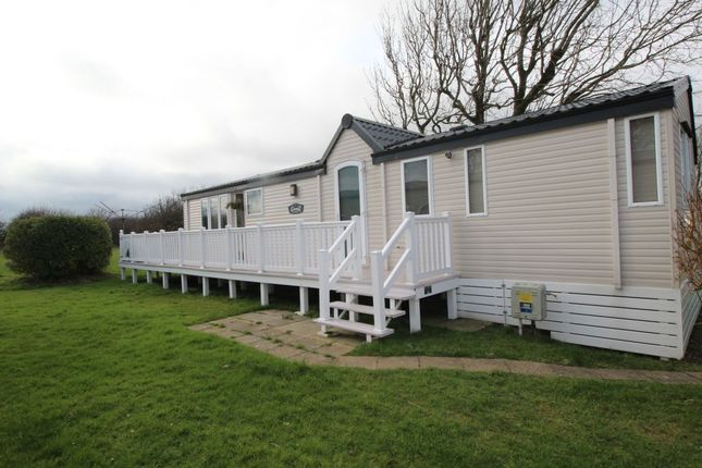Thumbnail Bungalow for sale in Woodpeckers Reach Road, St. Margarets-At-Cliffe, Dover