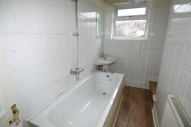Bathroom of Coronation Avenue, Royston, Barnsley S71
