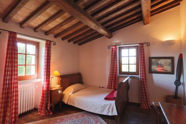 Bedroom 3 of Casaccia, Monte Santa Maria di Tiberina, Umbria