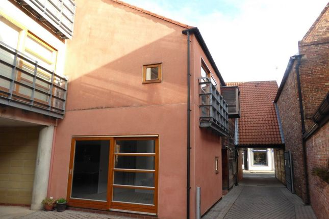 Thumbnail Flat to rent in Walmgate, York, North Yorkshire