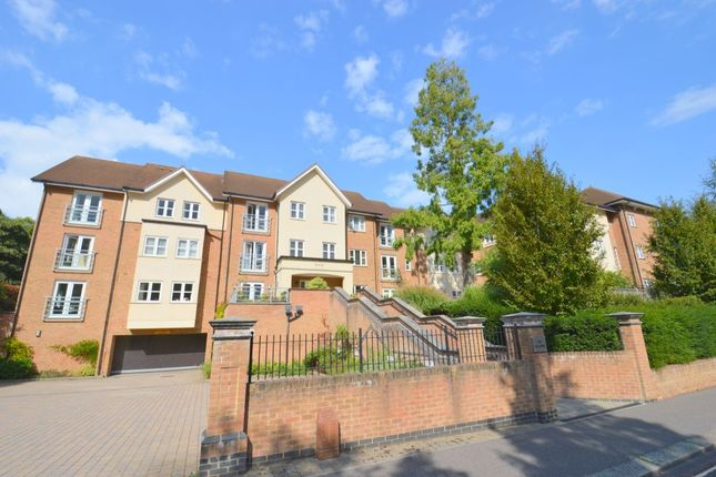 Thumbnail Flat for sale in Fairfield Road, East Grinstead