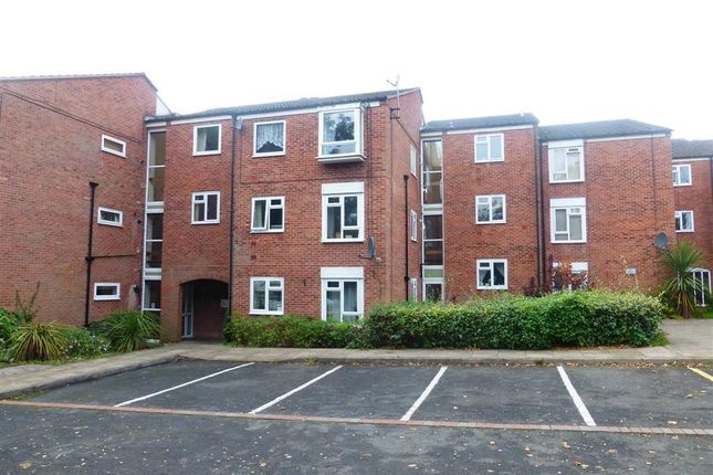 Thumbnail Flat to rent in Haseley Close, Redditch
