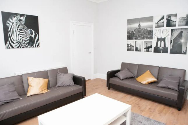 Thumbnail Town house to rent in Hotwell Road, Bristol