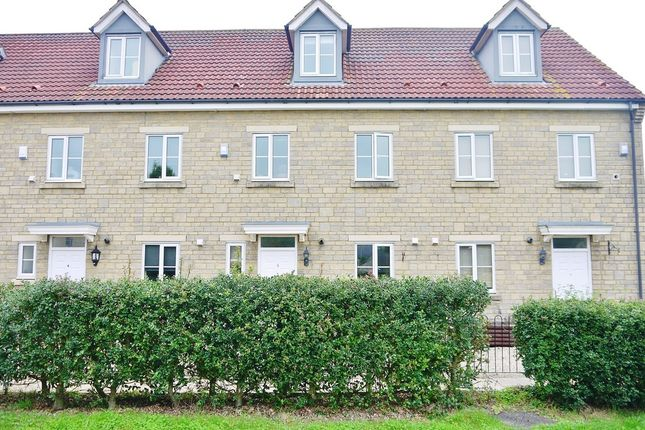 Thumbnail Town house for sale in Byre Close, Cricklade, Swindon