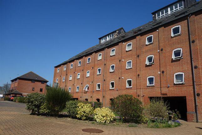 Thumbnail Flat to rent in Swonnells Walk, Lowestoft