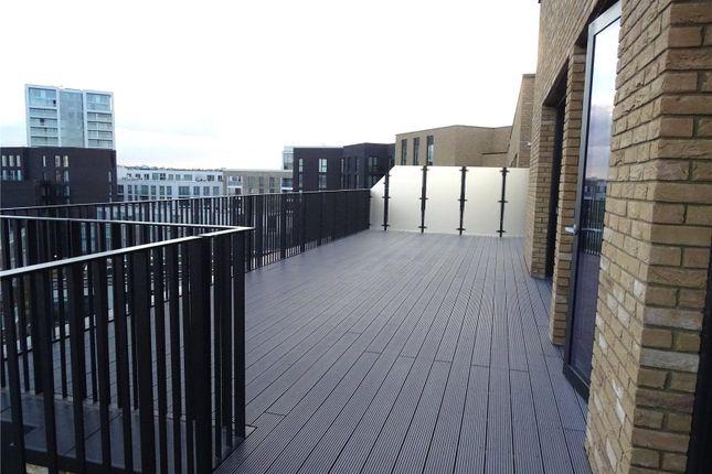 Thumbnail Flat for sale in Masthead House, Royal Wharf, London