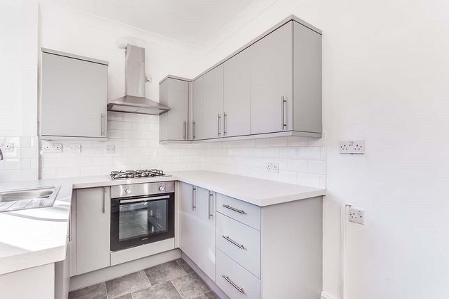 2 bed terraced house to rent in Glebe Street, Castleford WF10