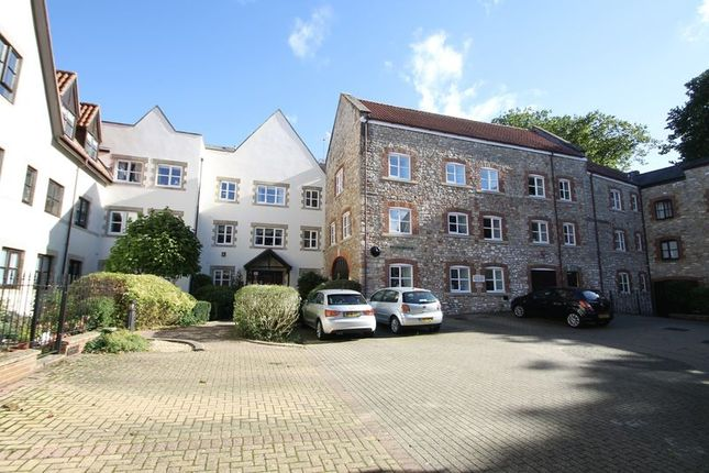 2 bedroom property for sale in Carlton Court, Wells