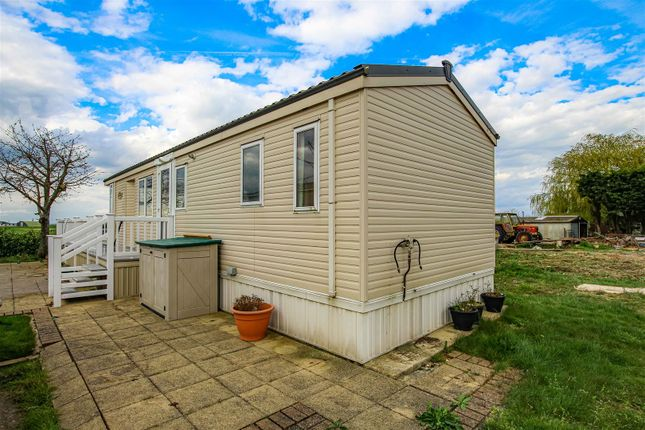 Thumbnail Mobile/park home for sale in East End Road, Bradwell-On-Sea, Southminster