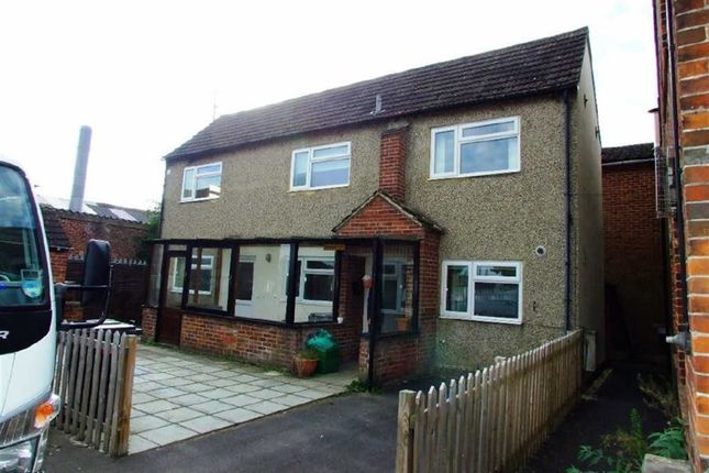 Thumbnail Detached house to rent in Hambridge Road, Newbury