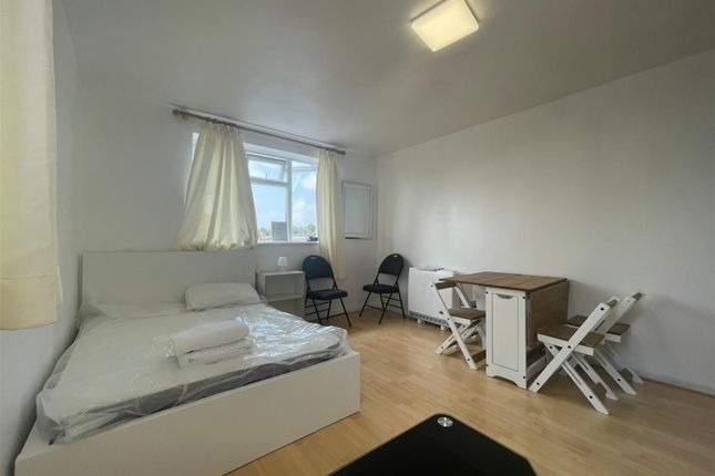 Studio for sale in Gladstone Parade, London NW2