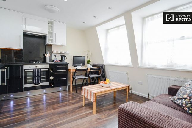 Thumbnail 2 bed property to rent in Wood Lane, London