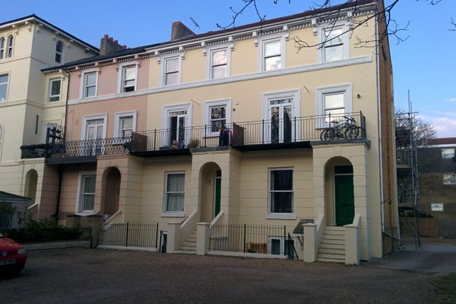 Thumbnail Flat to rent in St Helens Park Ct, Clarendon Road, Southsea