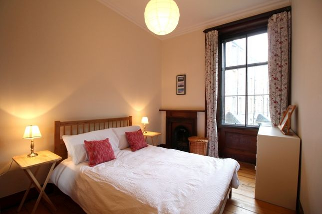 Thumbnail Flat to rent in Beaufort Road, Marchmont, Edinburgh