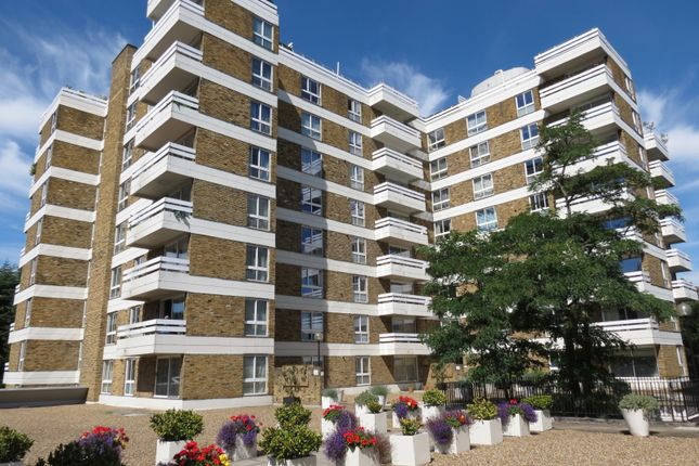 Thumbnail Flat for sale in Warwick Drive, London