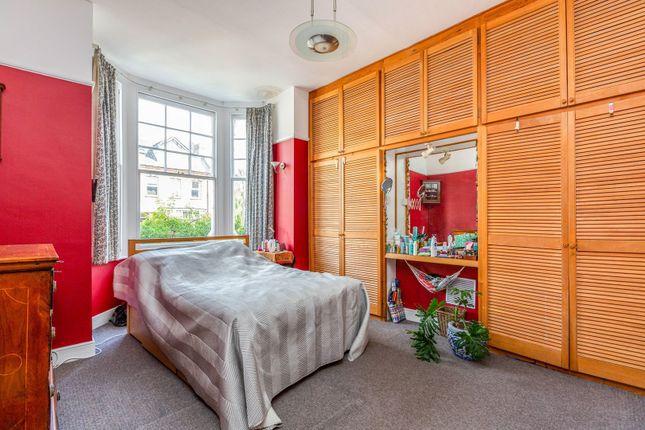 Bedroom of Park Avenue, London N22