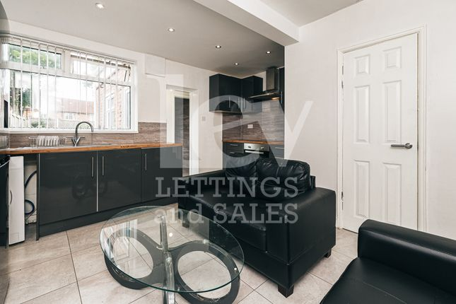 Thumbnail Terraced house to rent in Chapel, Liverpool