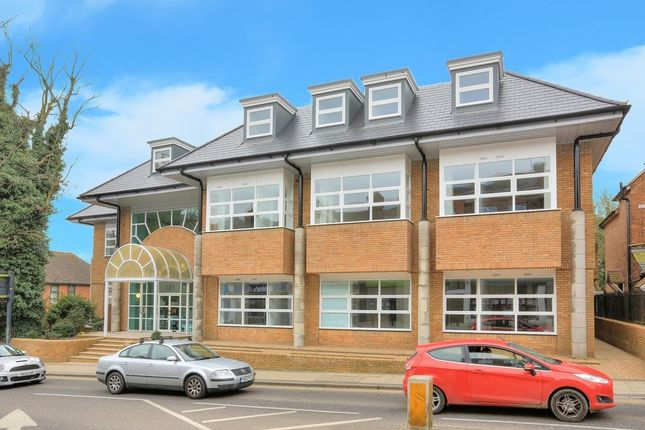 Thumbnail Flat to rent in London Road, St Albans, Herts