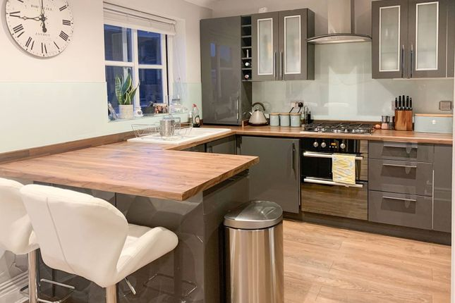 Thumbnail Flat to rent in Aidans Court, Friern Park, North Finchley, London