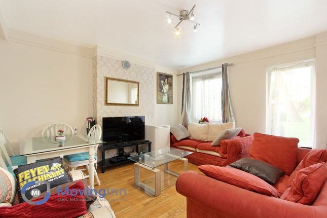 Thumbnail Flat for sale in Baldwin House, St Martins Estate, Tulse Hill