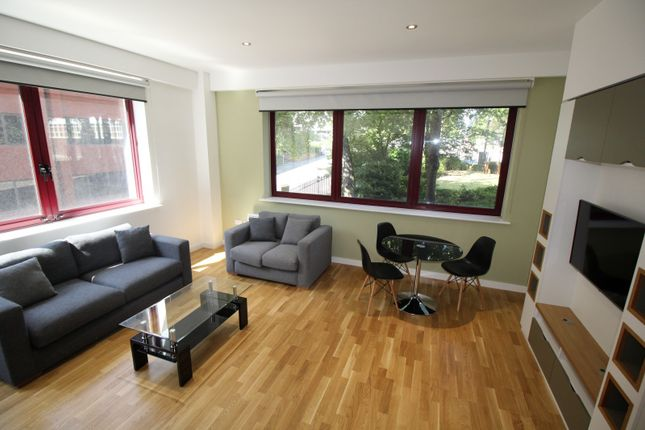 Thumbnail Flat to rent in Q One Residence, Wade Lane, Leeds