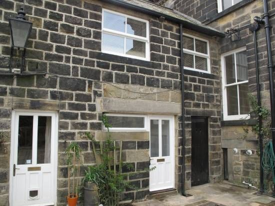 Thumbnail Flat to rent in North Road, Horsforth, Leeds