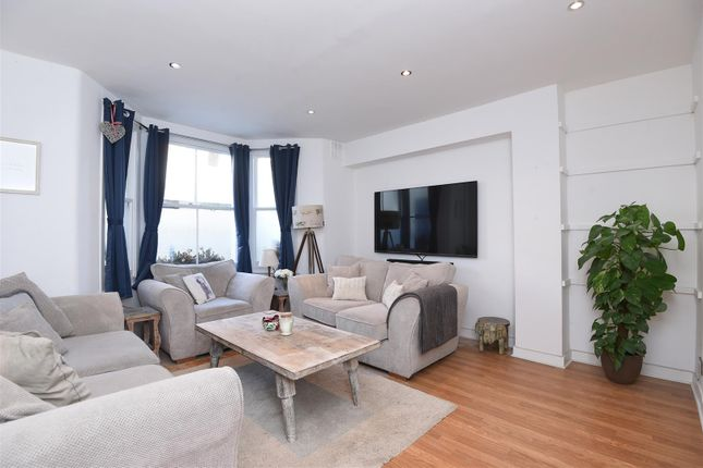 Thumbnail Flat to rent in Lydford Road, London