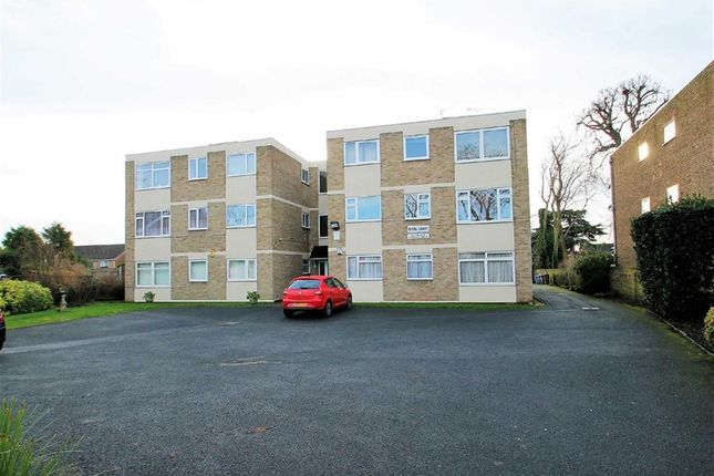 Thumbnail Flat to rent in Picardy Road, Upper Belvedere, Kent