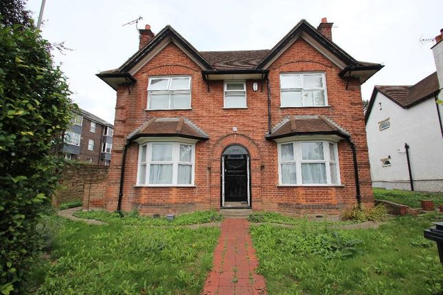 Thumbnail Detached house to rent in London Road, High Wycombe