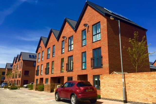 Thumbnail Town house to rent in Brooks Mews, Oxford Road, Aylesbury