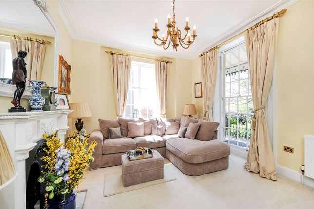 Reception of Windsor Place, Clifton, Bristol BS8