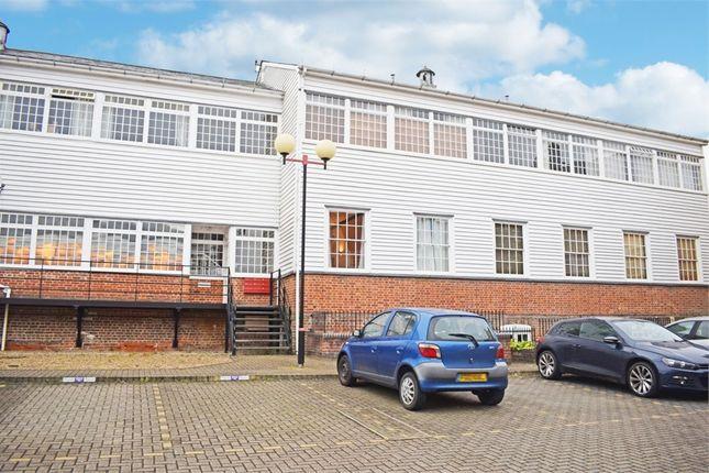 Thumbnail Flat for sale in Silks Way, Braintree, Essex