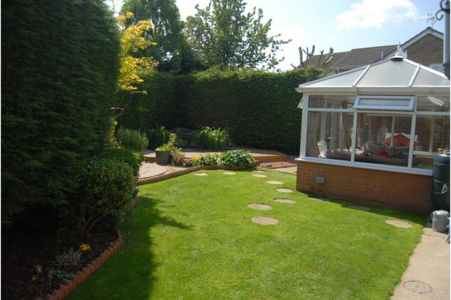Thumbnail Property for sale in Woburn Close, Waltham