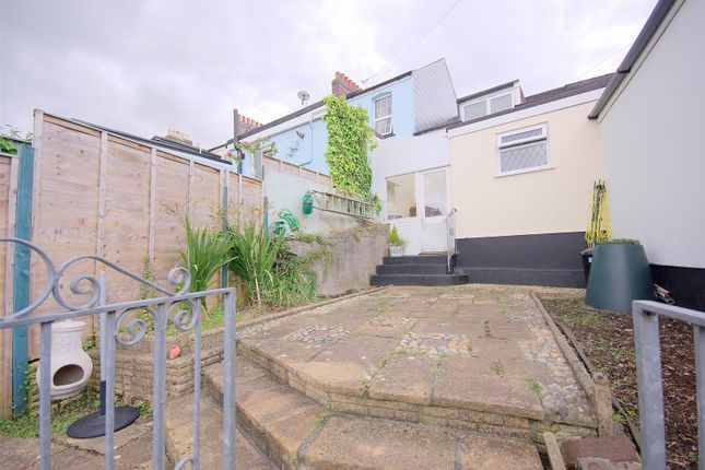 Underwood road plympton plymouth pl7 2 bedroom terraced for Underwood house for sale